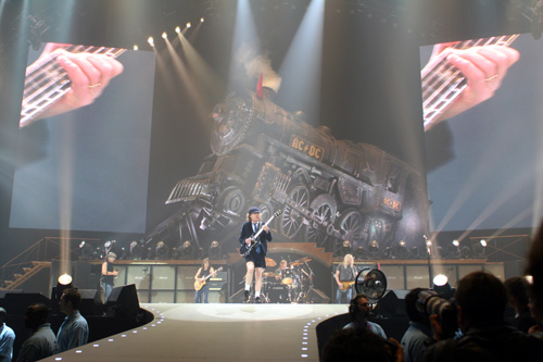 ad/dc rock n roll train